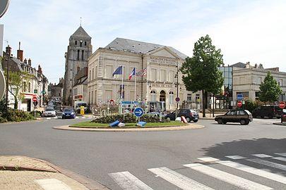 Mairie, Place du Dr J. Huygues Des Etages, Cosne-Cours-sur-Loire.jpg