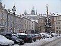 Malostranské náměstí a Pražský hrad.jpg