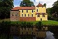 Maninga-Burg in Pewsum (Krummhörn) IMG 6656.jpg