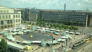 File:Markt at Augustusplatz 2014.webm