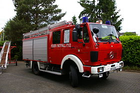 Fire fighting vehicle 16