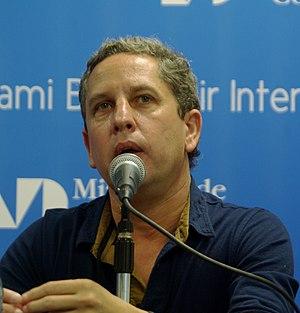 Martínez, Guillermo (1962-)
