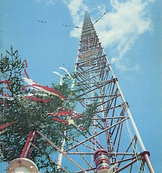 Warsaw radio mast - Mast before topping out