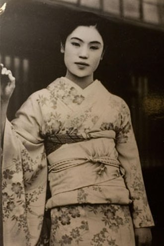 Snow Country - Onsen geisha Matsuei, the person upon whom Kawabata based the character Komako in the novel.