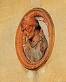 Medaglione in terracotta3.jpg