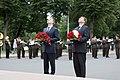 Melnkalnes premjers un Ministru prezidents Valdis Dombrovskis noliek ziedus pie Brīvības pieminekļa 31.08.2011. (6098843927).jpg