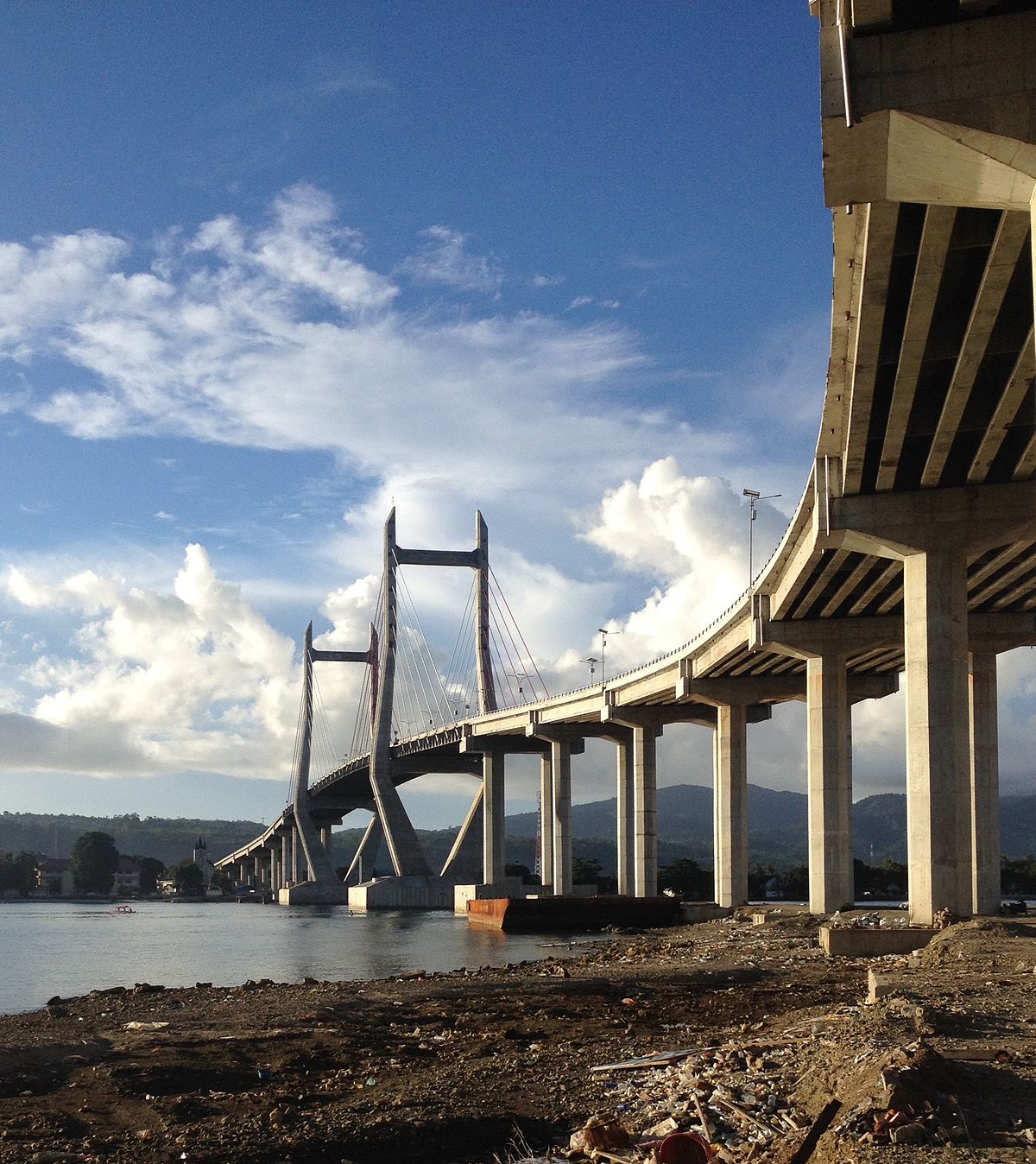 Merah Putih Bridge - Wikipedia