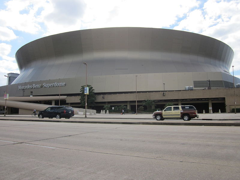 file mercedes benz superdome poydras taxi jpg wikimedia commons. Cars Review. Best American Auto & Cars Review