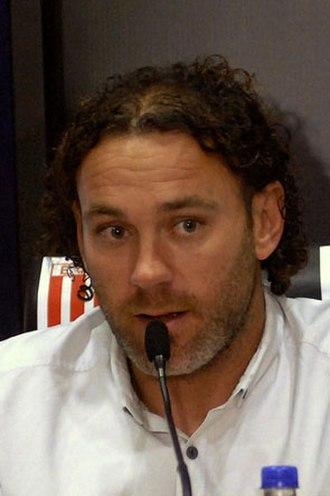 Gabriel Milito - Milito coaching Estudiantes in 2015