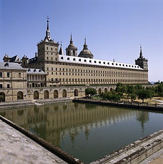 El Escorial - Monastery and its reflection