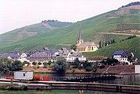 Mosel - Zeltingen with vineyards.jpg