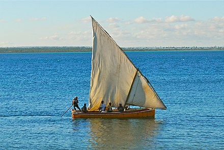Mozambican dhow. Mozambique (3912235854).jpg