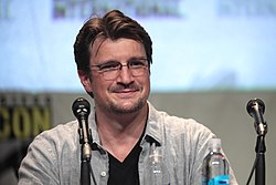 Nathan Fillion (19661622892).jpg