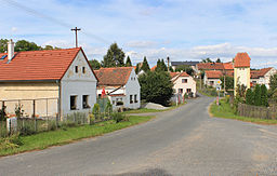 Neuměř, road from Kvíčovice.jpg