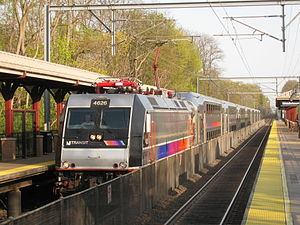 North Jersey Coast Line - Image: New Jersey Transit ALP 46 4626 leads Train 3270 into Middletown Station
