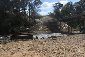 Shoalhaven River - New Bridge and remains of old bridge at Oallen Ford