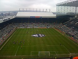 Newcastle United vs Barnsley, 6 March 2010 (5).jpg