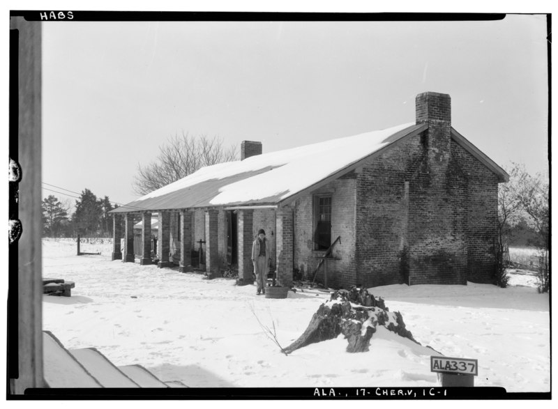 File:OLD SLAVE QUARTERS AND KITCHEN - Cunningham Plantation, Old Memphis Road (Gaines Trace Road), Cherokee, Colbert County, AL HABS ALA,17-CHER.V,1-28.tif