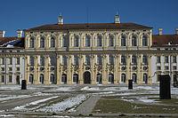 Oberschleißheim Neues Schloss Westfassade 107.jpg
