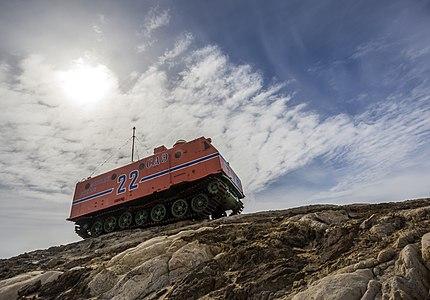 """HSM-92 Oversnow heavy tractor """"Kharkovchanka""""."""