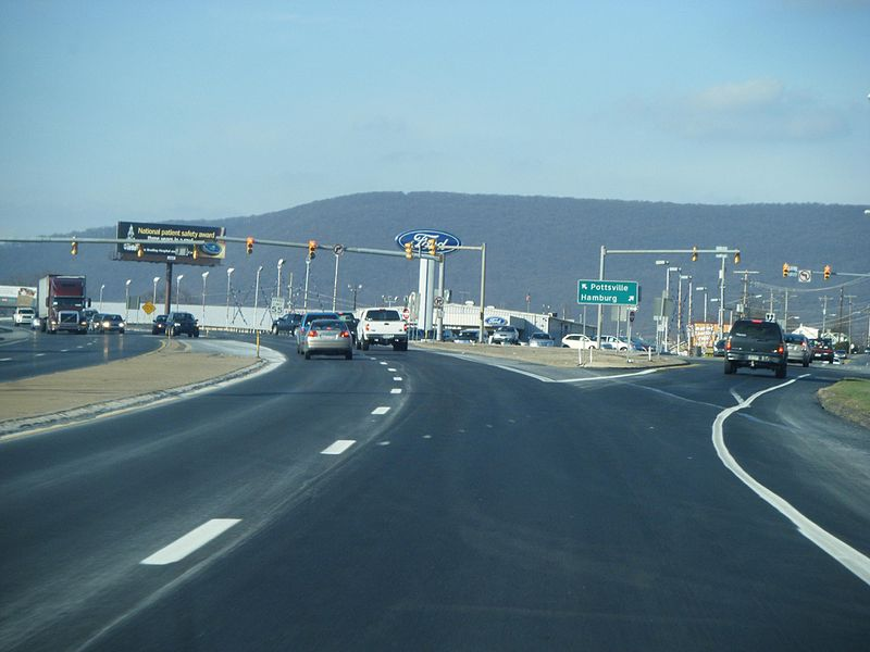 File:PA 61 NB at Fourth Street Hamburg.JPG