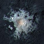 PIA20355-Ceres-DwarfPlanet-OccatorCrater-Center-201602-crop.jpg