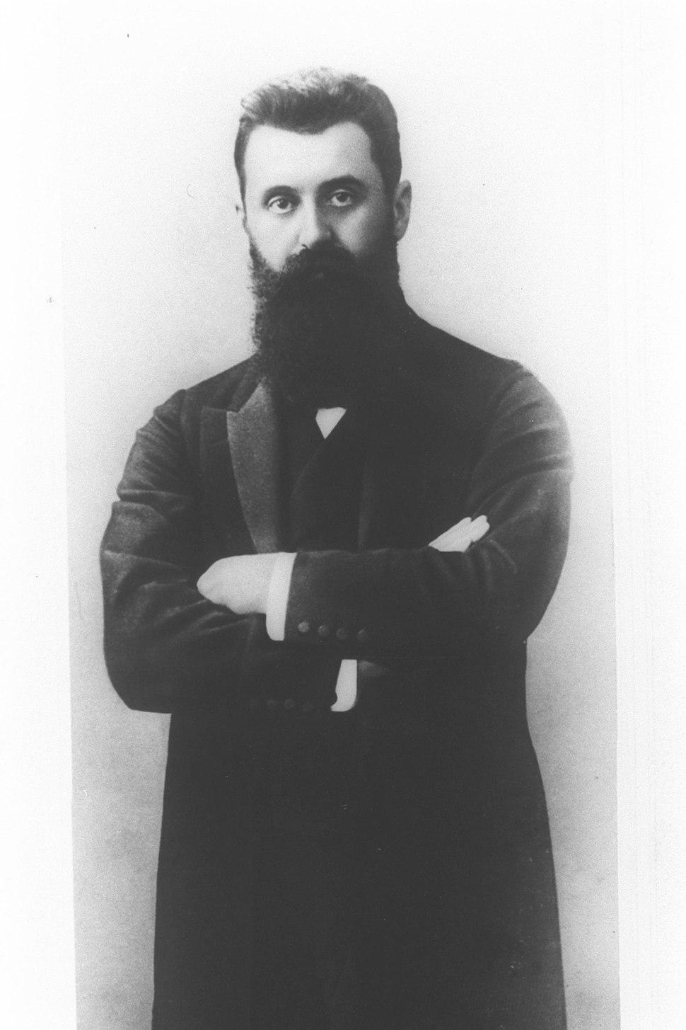 "PORTRAIT OF THEODOR HERZL TAKEN IN 1903 BY PAINTER EFRAIM MOSHE LILIAN. פורטרט של תאודור הרצל, אשר צולם ע""י הצייר אפרים משה ליליין בשנת 1903."