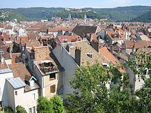 vue sur les toits du centre historique et la citadelle en. Black Bedroom Furniture Sets. Home Design Ideas