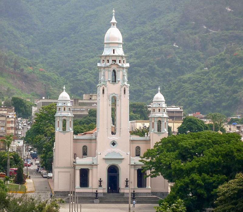 Panteon Nacional de Caracas.jpg