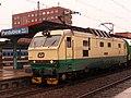 Pardubice, hlavní nádraží, lokomotiva 151.006.jpg