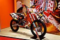 Paris - Salon de la moto 2011 - KTM - 350 SX-F LTD Edition Tony Cairoli - 002.jpg