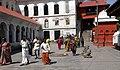 Pashupatinath-02-Haupteingang-2013-gje.jpg