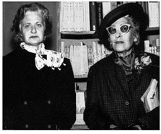 Pelegrina Pastorino - Victoria Ocampo (right), and Péle Pastorino (left), at Villa Ocampo, 1972.