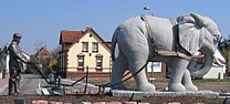 Pfluegender Elefant von Hans Buch.JPG