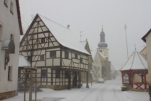 Pinzberg Hauptstraße Schnee