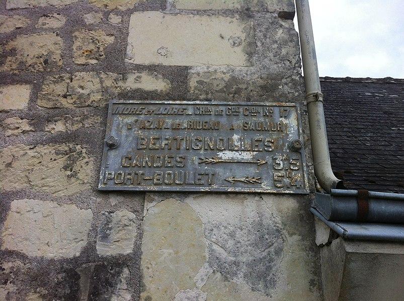 Chemin de grande communication n°17 d'Azay-le-Rideau à Saumur; à Bertignolles, Savigny-en-Véron (Indre-et-Loire)