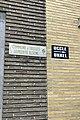 Plaque indiquant la limite entre Ixelles et Uccle.jpg