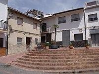 Plaza donde se ubica el Ayuntamiento de Ràfol de salem.jpg