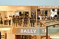 Police force come to New Town Plaza via Citylink 20191103.jpg