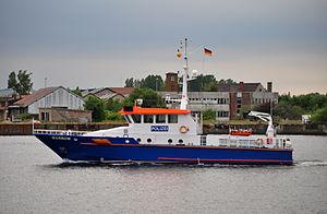 Polizeiboot in Rostock.jpg