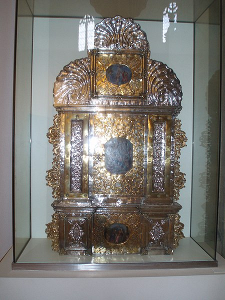 File:Portapaz dela Catedral de Burgos.JPG