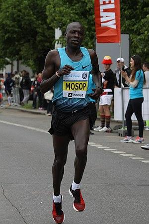 Moses Mosop - Mosop during Prague International Marathon in 2014