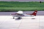 Private Cessna 172P (JA172P-17274660) (14508112946).jpg