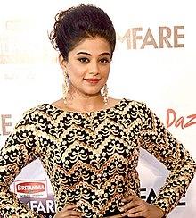 Malayalam actress kaviya mathavan mulai puntai photos photo entertaining