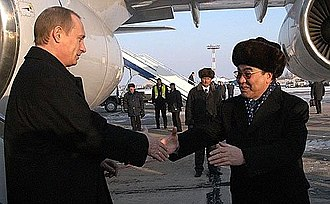 Askar Akayev - Akayev with Vladimir Putin in Bishkek, 2002