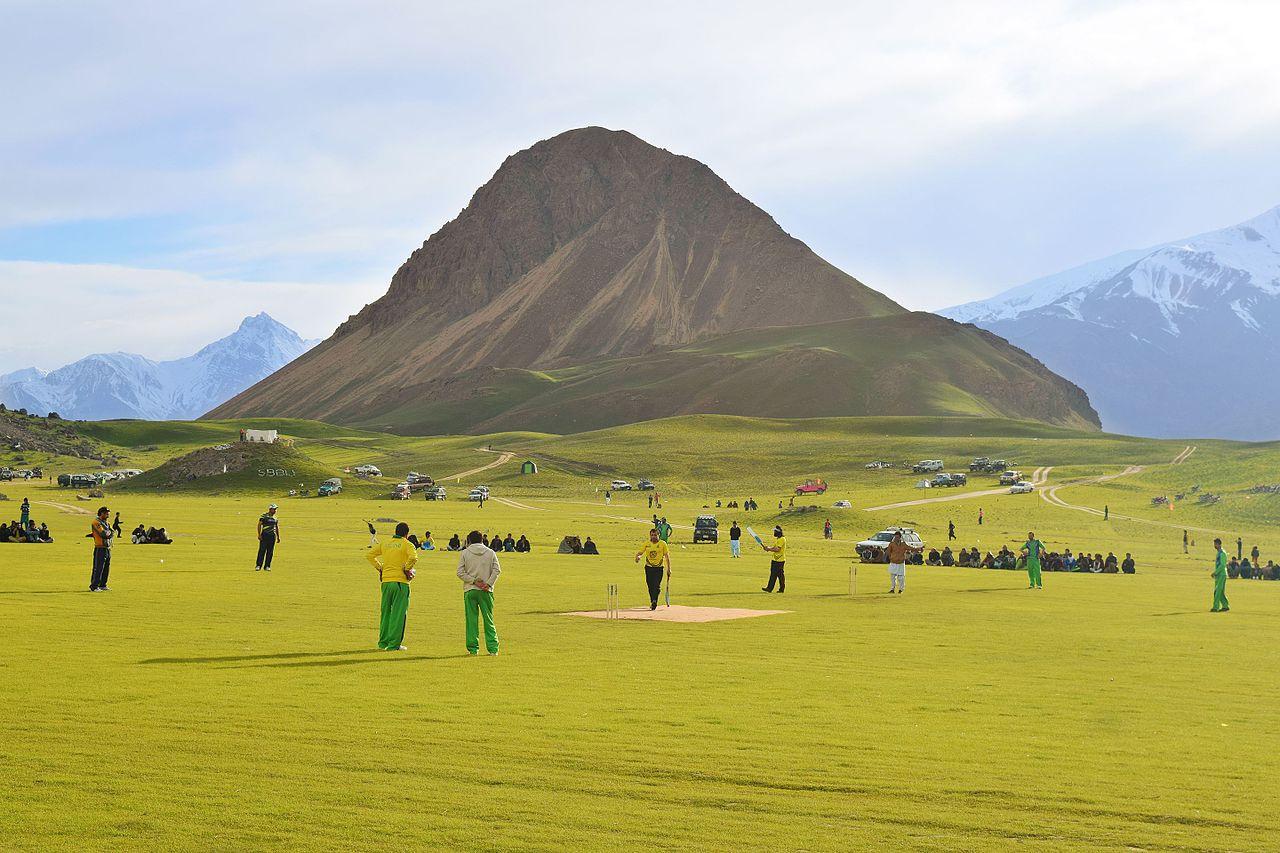 foto de File:Qaqlasht Chitral PakistanWikimedia Commons