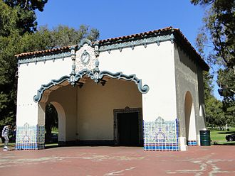 Recreation Park (Long Beach, California) - Recreation Park bandshell