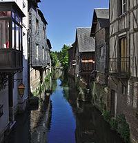 Risle canal Pont-Audemer.jpg