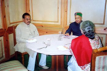 English: RK Walia With Union Minister virbhadr...