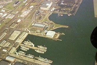 Rosyth Dockyard - Rosyth Dockyard in 1975